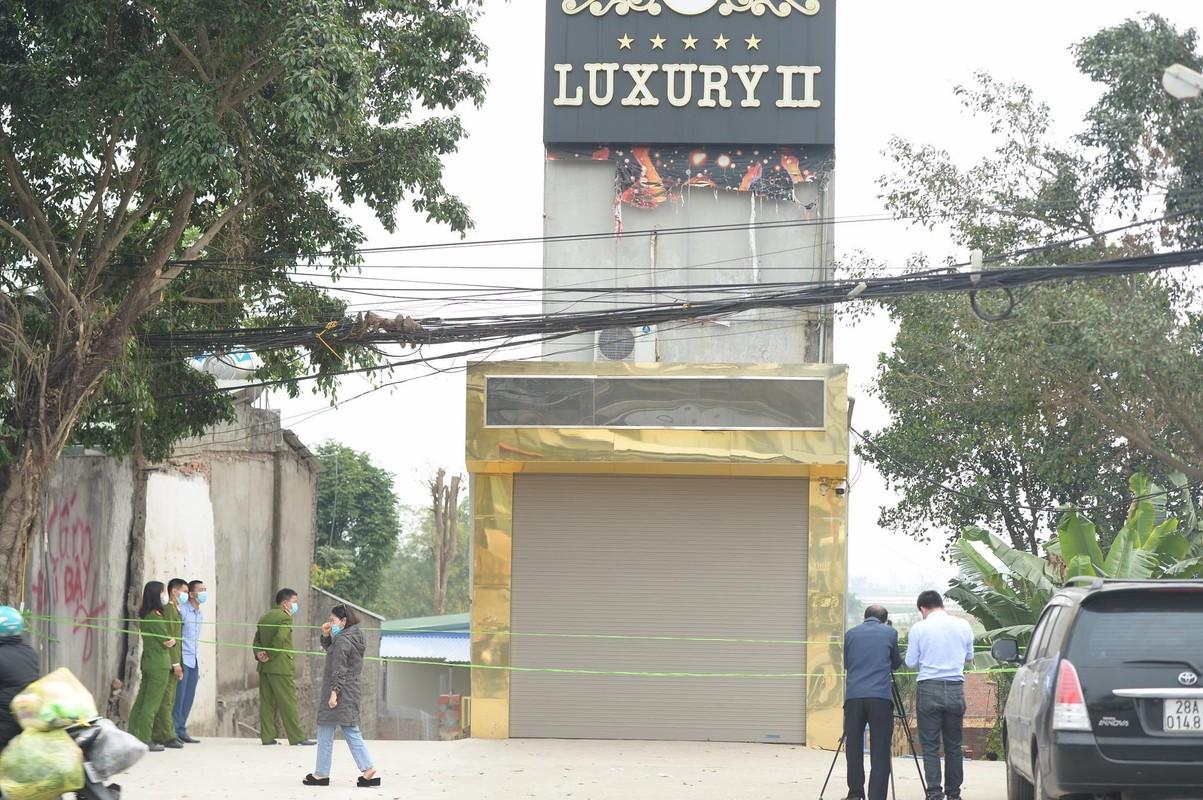 Vu dam chem o karaoke Luxury II Hoa Binh: Hung thu duong tinh voi ma tuy-Hinh-6