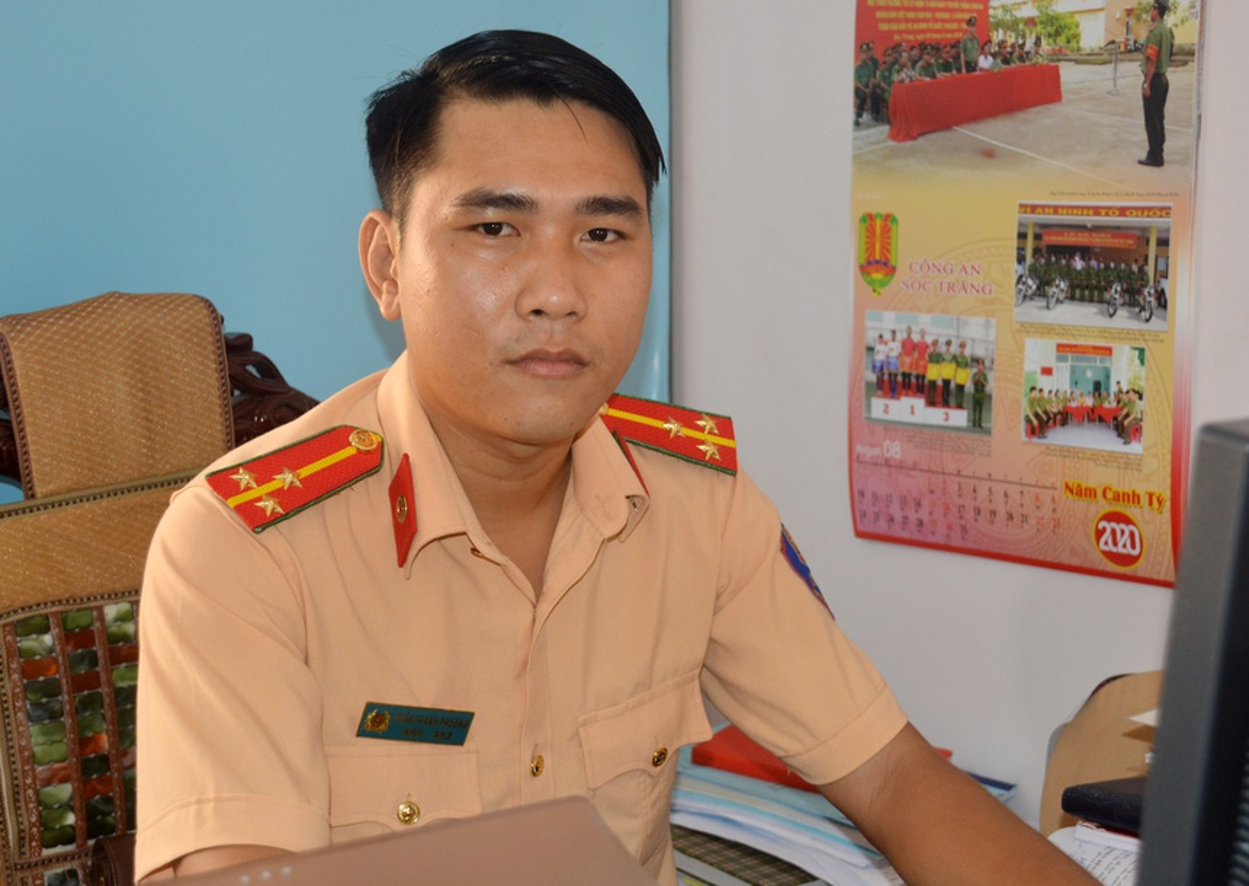 "Nhung chien si cong an ""vi nuoc quen than, vi dan phuc vu""-Hinh-4"