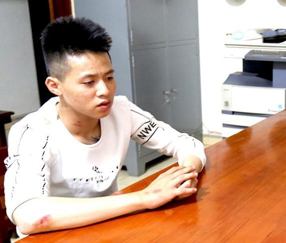 """Tin nong ngay 19/4: Xung """"can bo"""" vao tan nha ba 70 tuoi trom tien, vang-Hinh-8"""