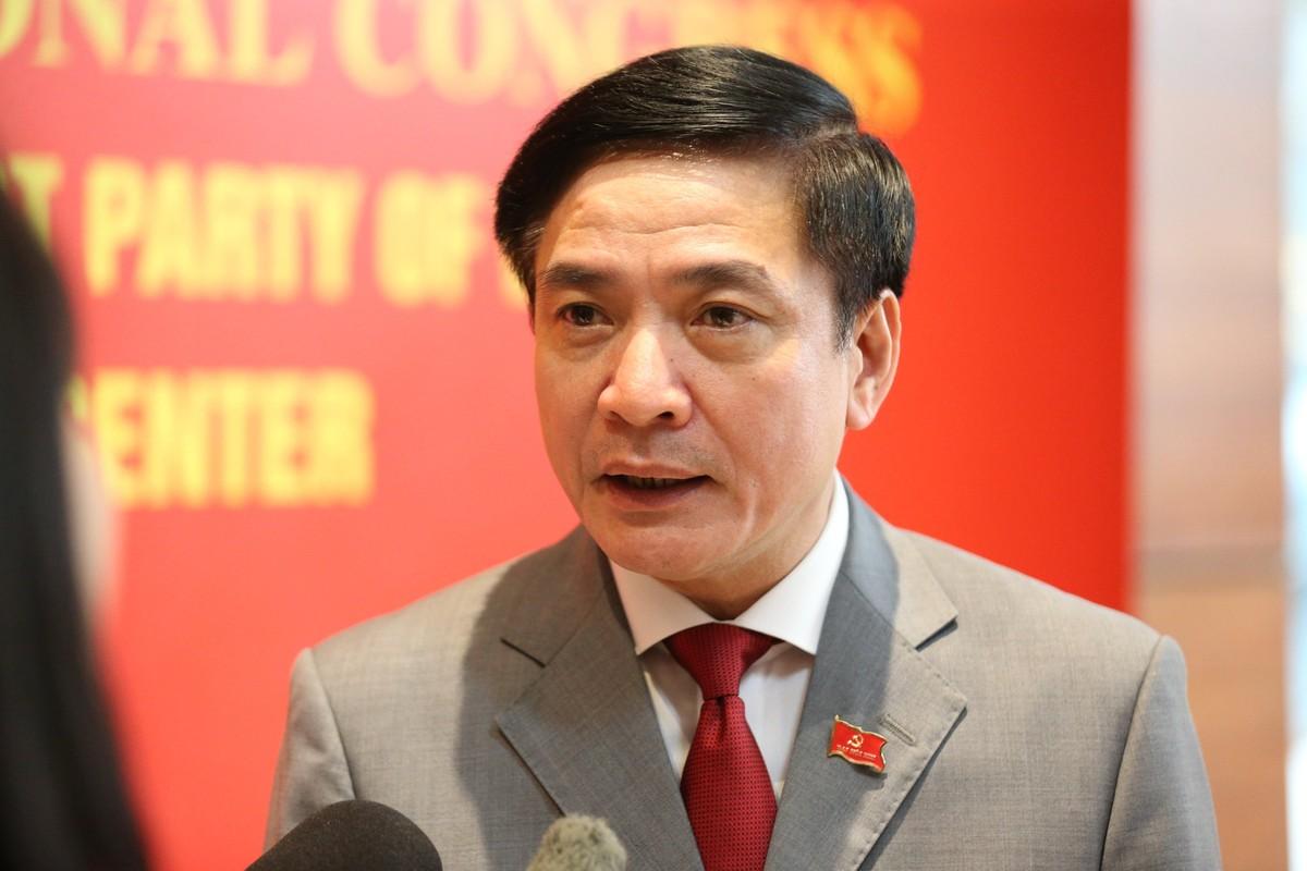 Ong Bui Van Cuong lam Bi thu Dang uy Van phong Quoc hoi-Hinh-3