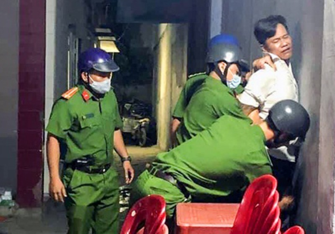 Tin nong ngay 4/5: Giam doc doanh nghiep nghi dam o tre em-Hinh-4