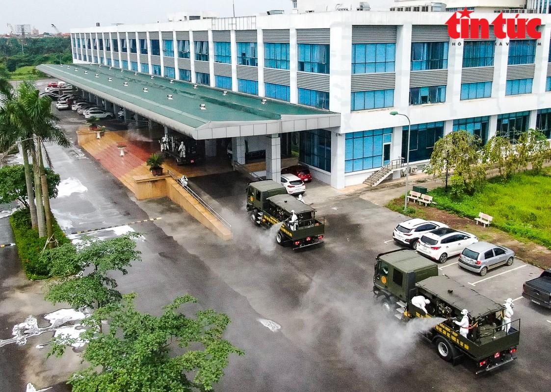 Phun khu khuan vien Benh Nhiet doi Trung uong co so Dong Anh-Hinh-10