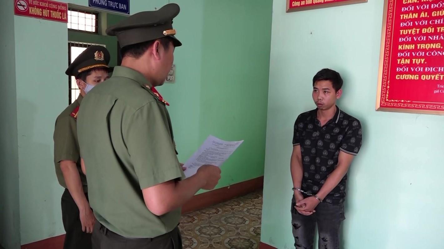 Dua nguoi Trung Quoc nhap canh trai phep vao VN: He lo thu nhap khung-Hinh-4