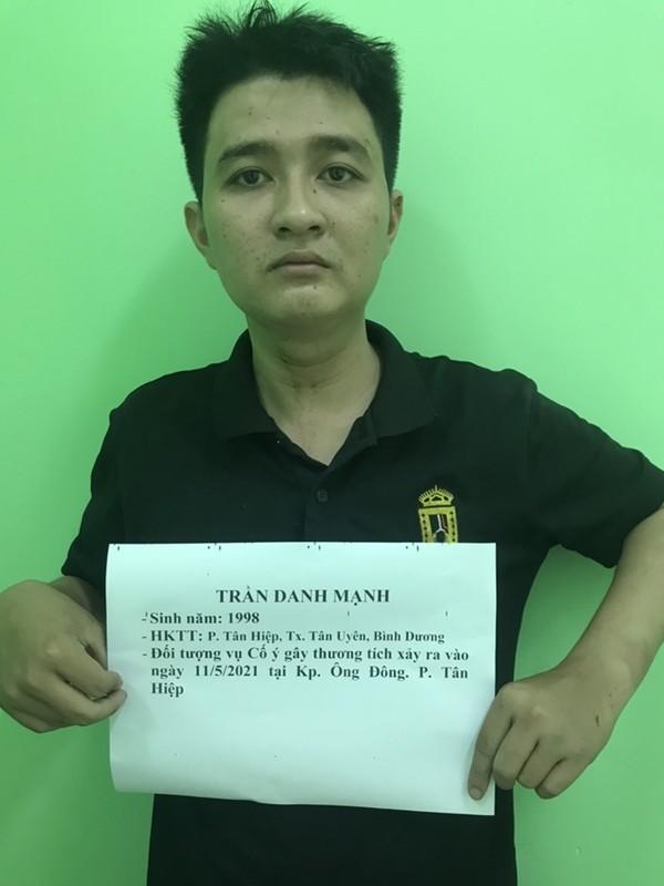 Tin nong ngay 12/5: Thuong uy cong an bi con do dam trung co-Hinh-4