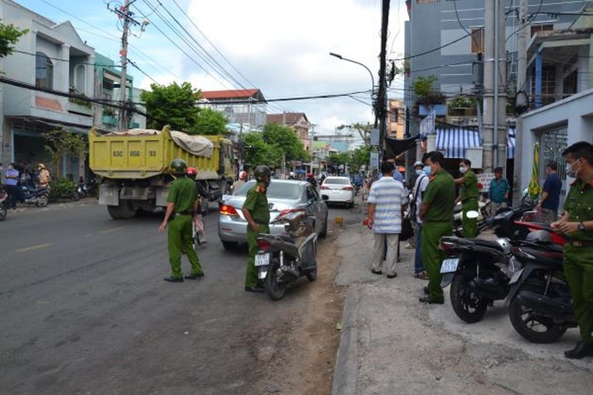 Tin nong ngay 12/5: Thuong uy cong an bi con do dam trung co-Hinh-7