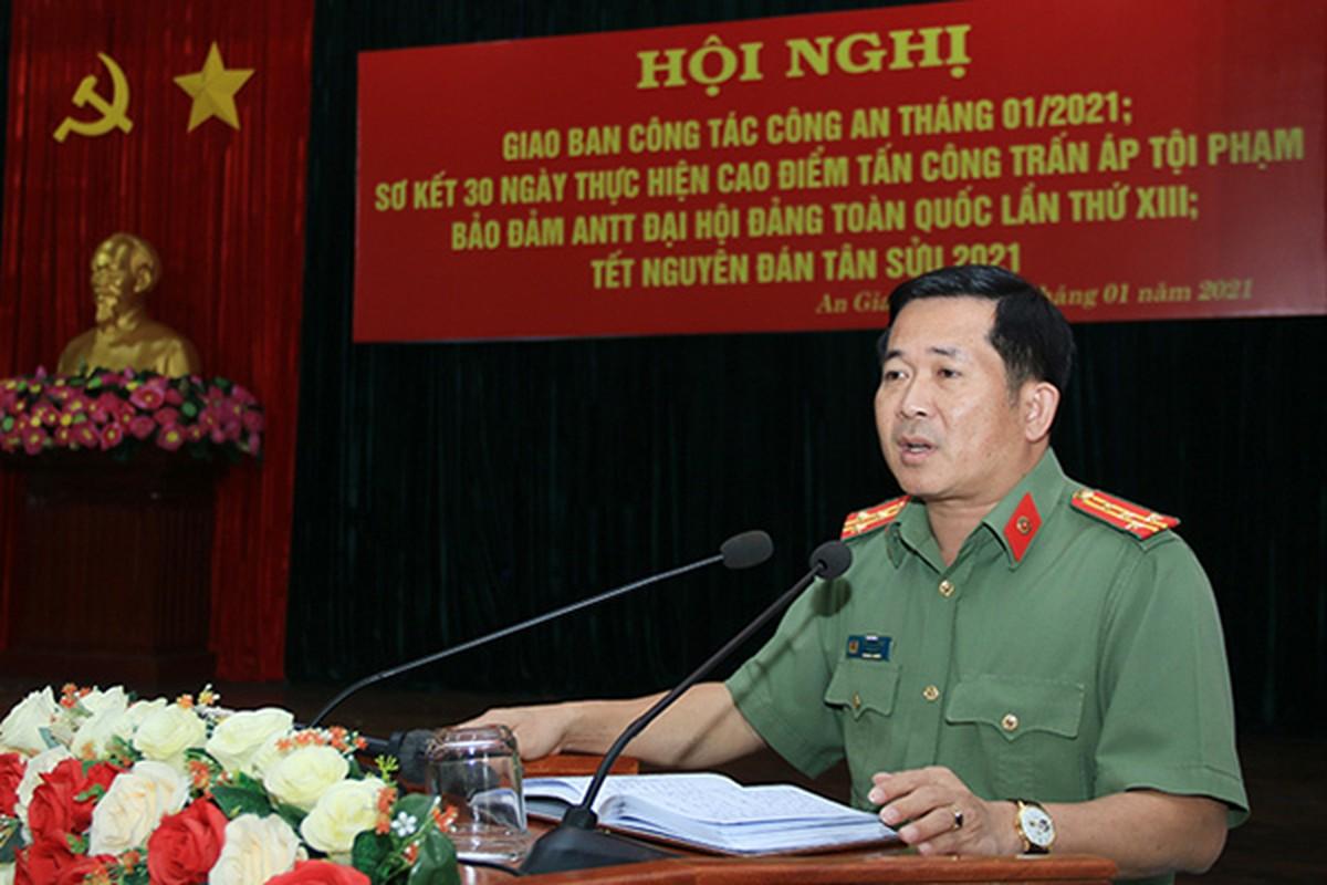 GD Cong an tinh cong khai SDT ca nhan: Moi ngay nhan hang tram cuoc goi-Hinh-6
