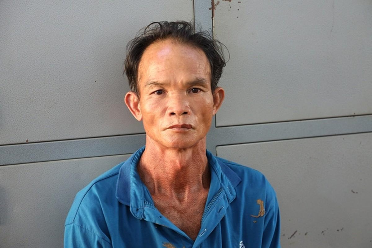 Tin nong ngay 14/5: Con trai sat hai bo de roi chon xac trong nha-Hinh-4
