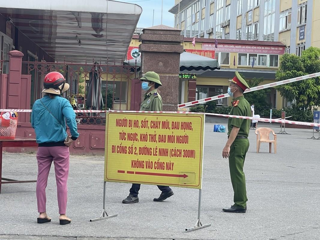 Khung canh TP Ha Tinh khi thuc hien cach ly xa hoi-Hinh-4
