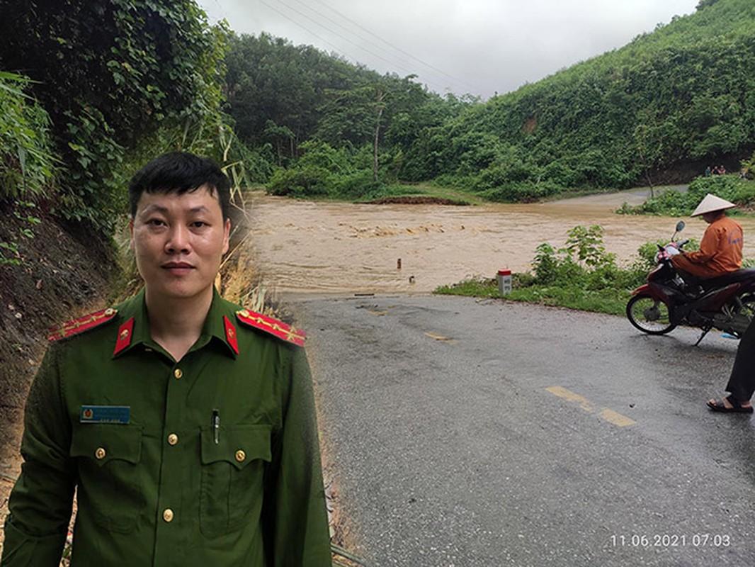 Pho truong cong an xa lao minh xuong dong lu xiet de cuu nguoi-Hinh-2