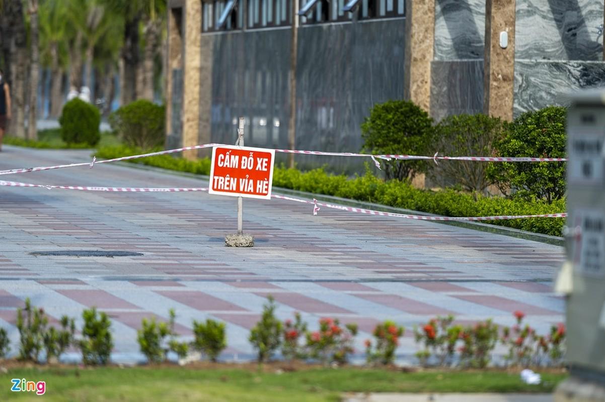 Hang tram tai xe oto thieu y thuc khi tam bien o Ha Long-Hinh-11