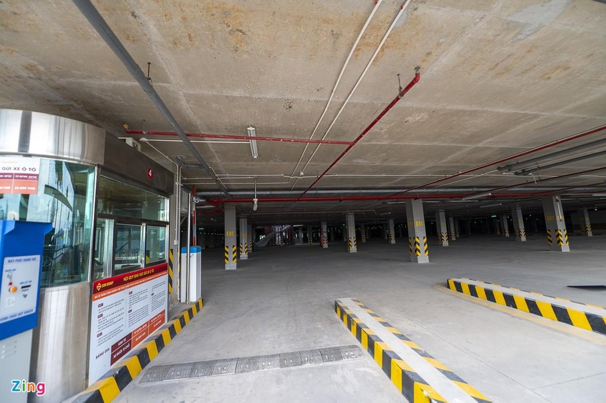 Hang tram tai xe oto thieu y thuc khi tam bien o Ha Long-Hinh-3