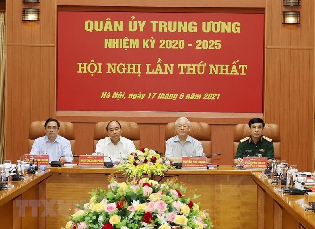 Tong Bi thu chu tri Hoi nghi Quan uy Trung uong lan thu nhat khoa XI