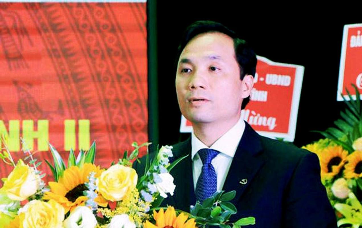 Chan dung ong Hoang Trung Dung tai dac cu Chu tich HDND tinh Ha Tinh-Hinh-3