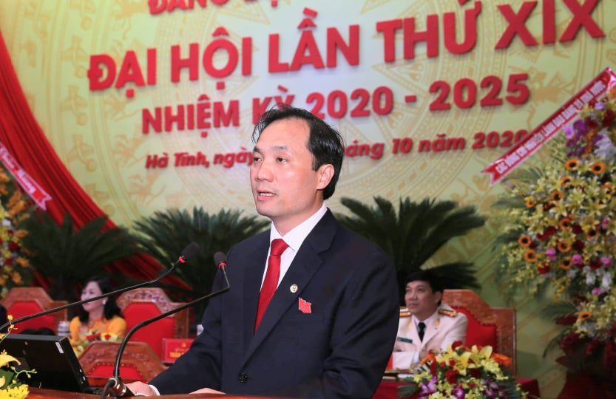 Chan dung ong Hoang Trung Dung tai dac cu Chu tich HDND tinh Ha Tinh-Hinh-5