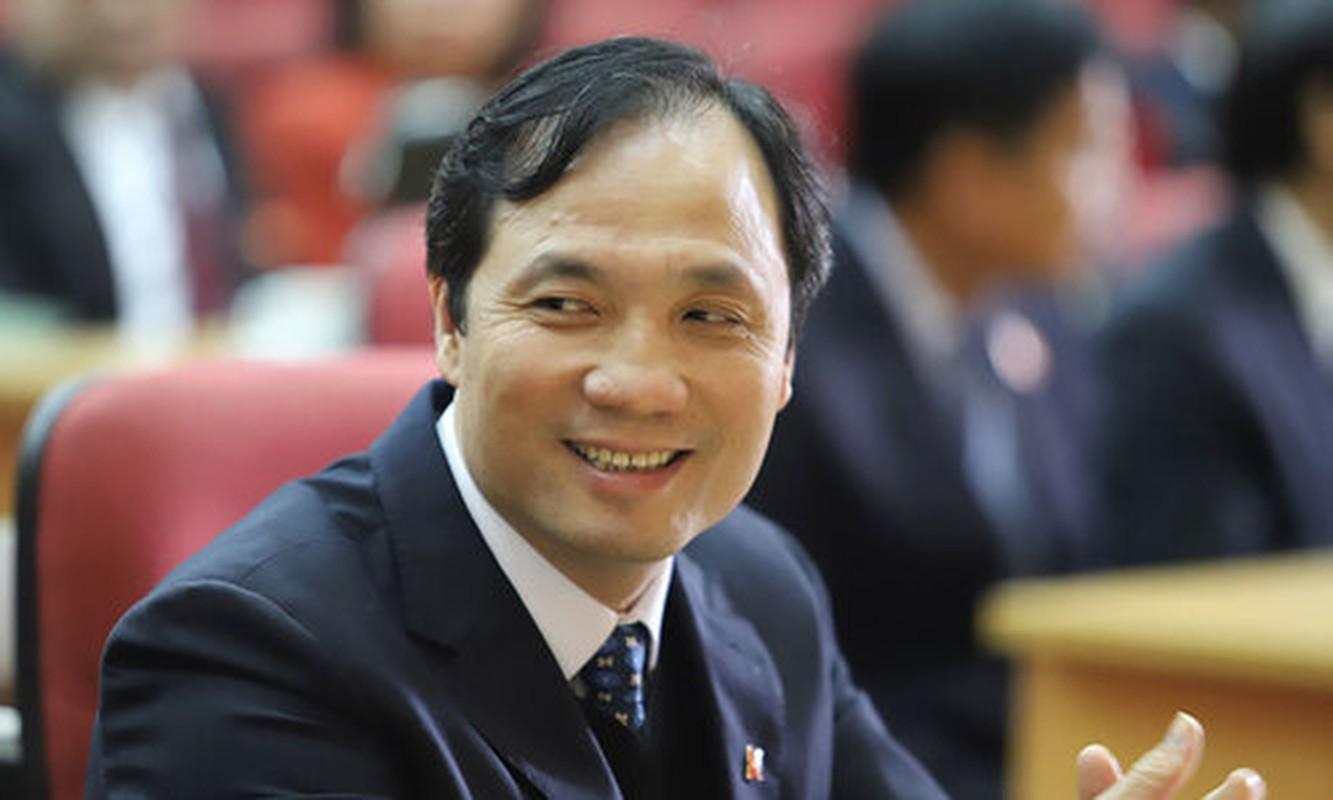 Chan dung ong Hoang Trung Dung tai dac cu Chu tich HDND tinh Ha Tinh-Hinh-7