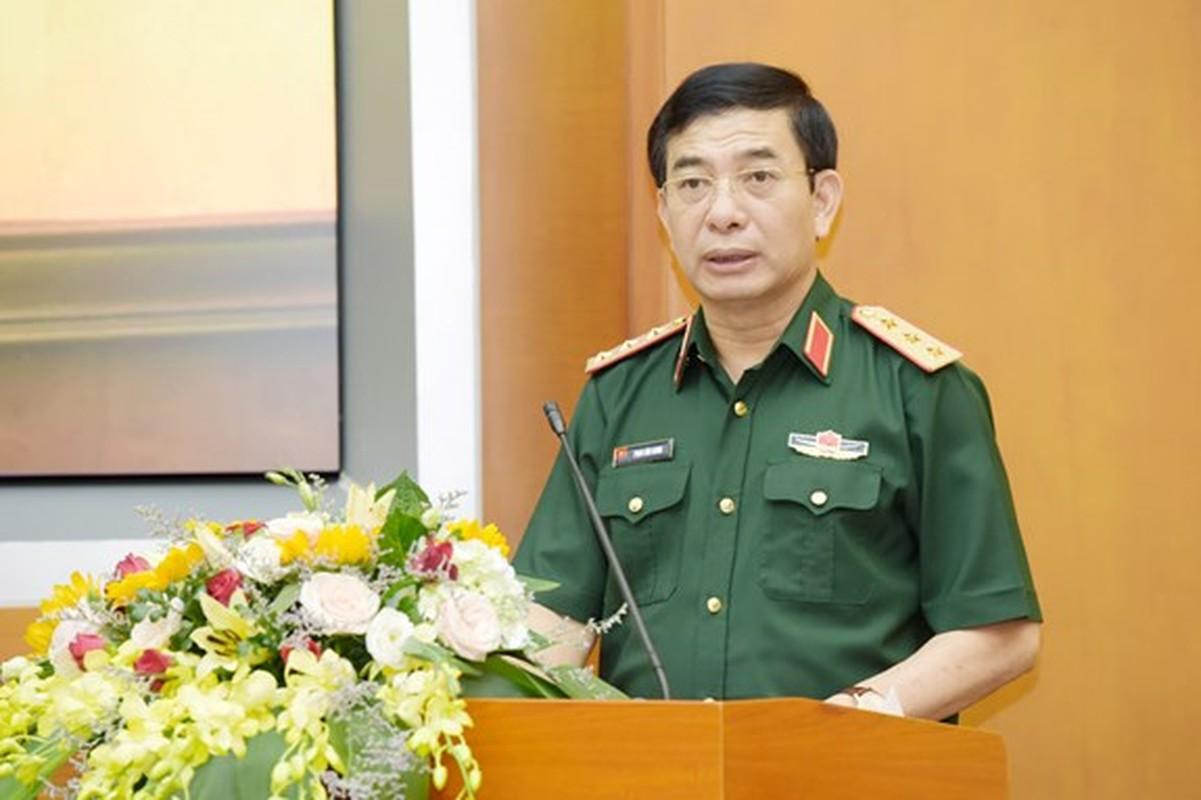 Bo truong Pham Van Giang duoc thang quan ham Dai tuong-Hinh-3