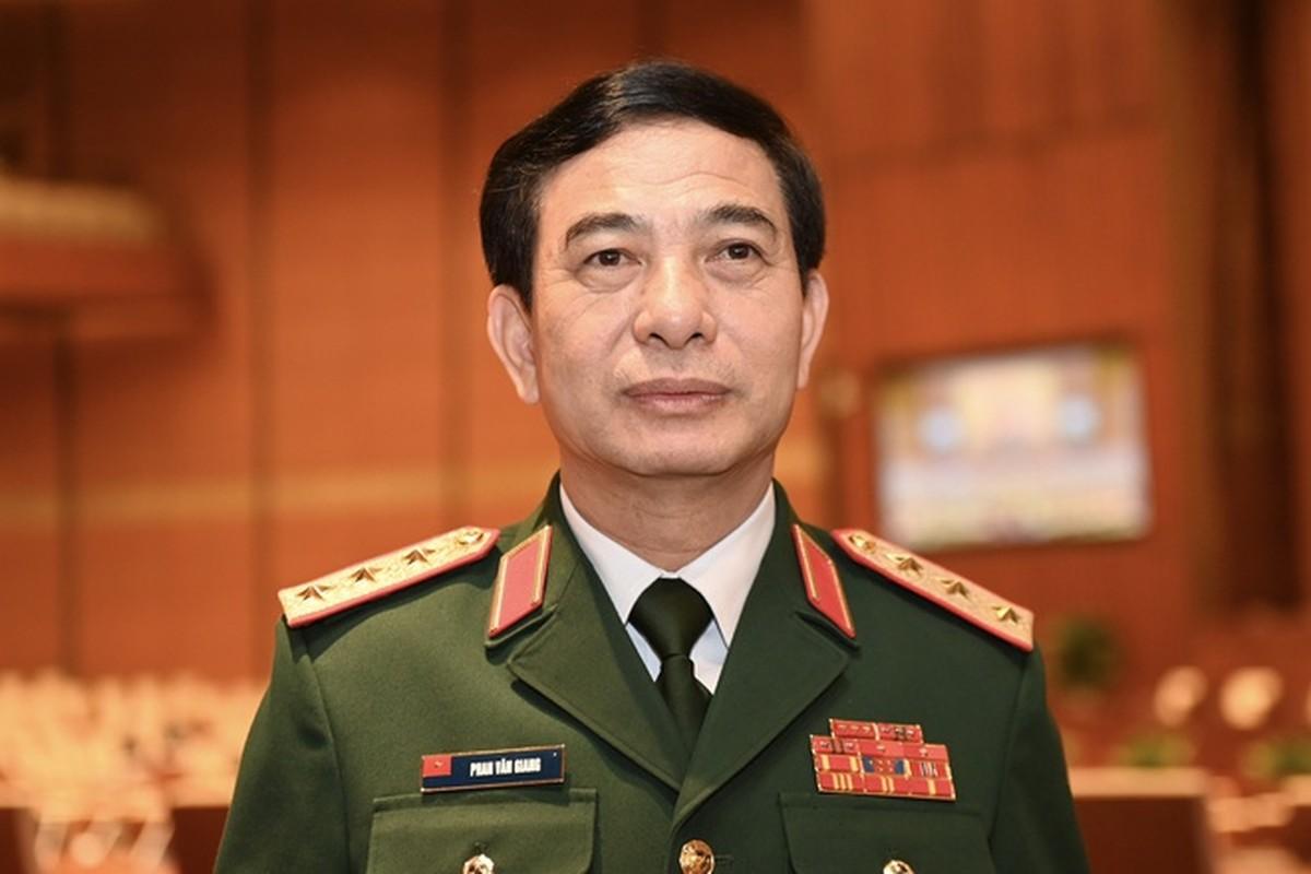 Bo truong Pham Van Giang duoc thang quan ham Dai tuong-Hinh-4