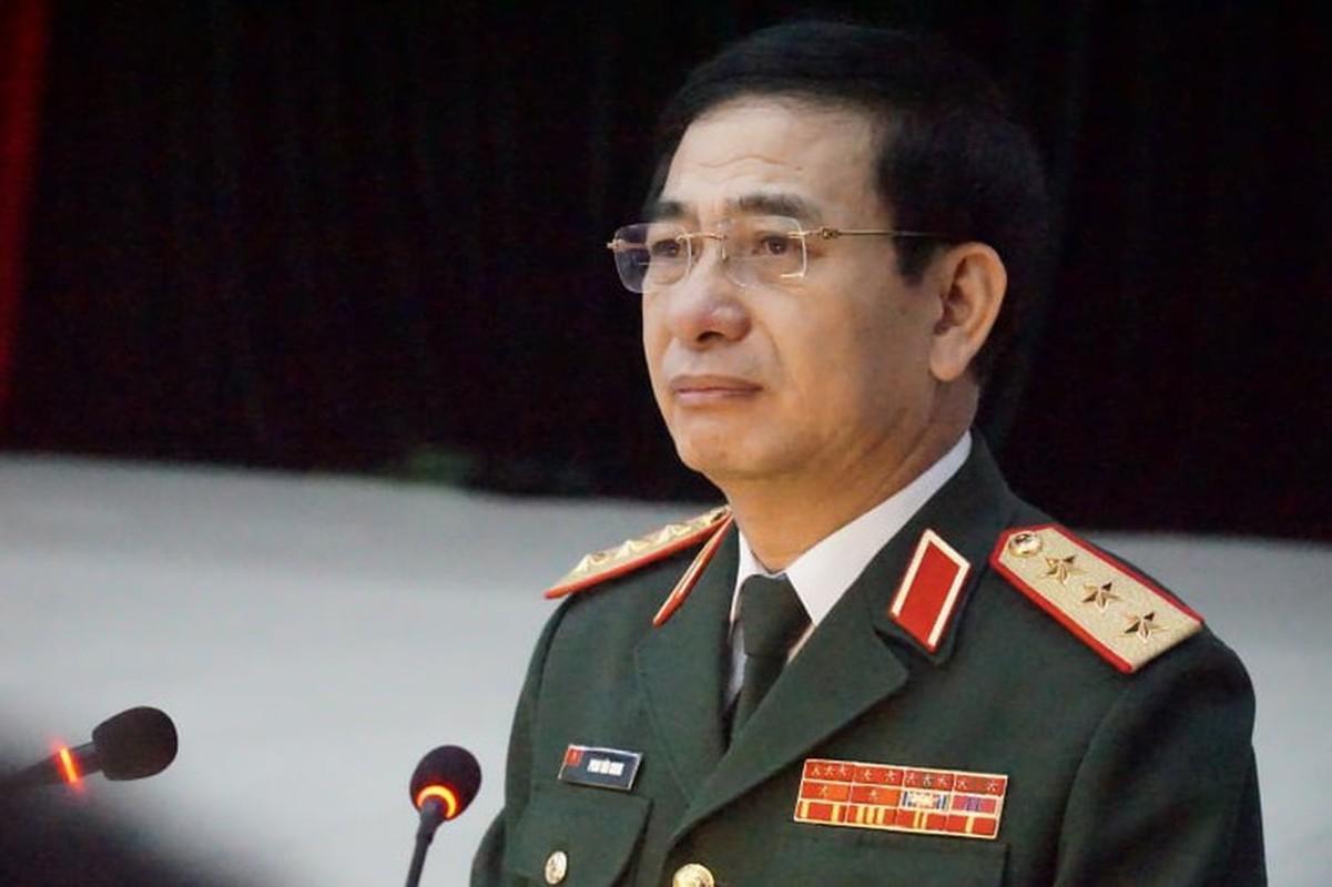 Bo truong Pham Van Giang duoc thang quan ham Dai tuong-Hinh-6