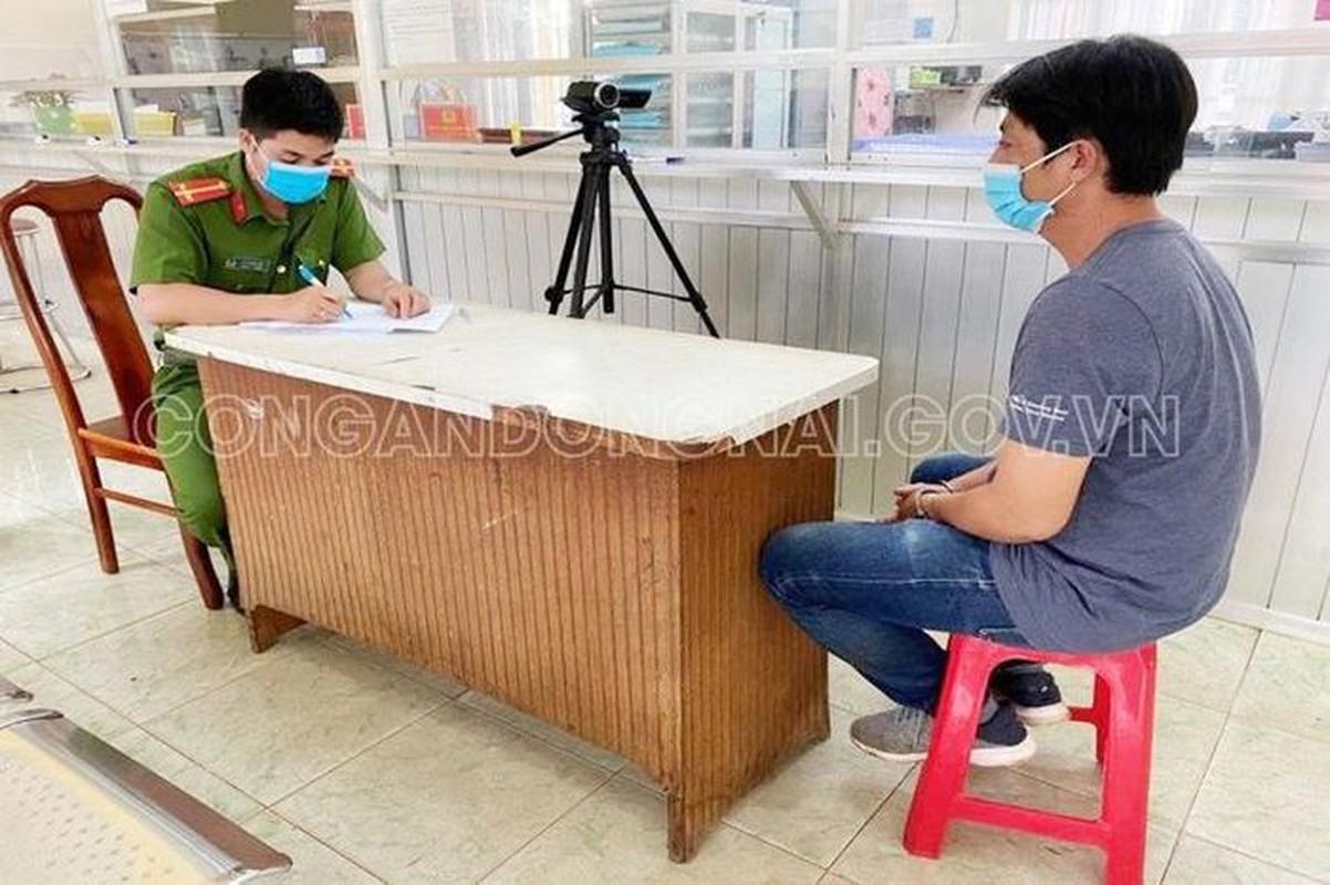 Tin nong 23/7: Nguoi dan ong chet trong tu the bi troi vao cay-Hinh-5