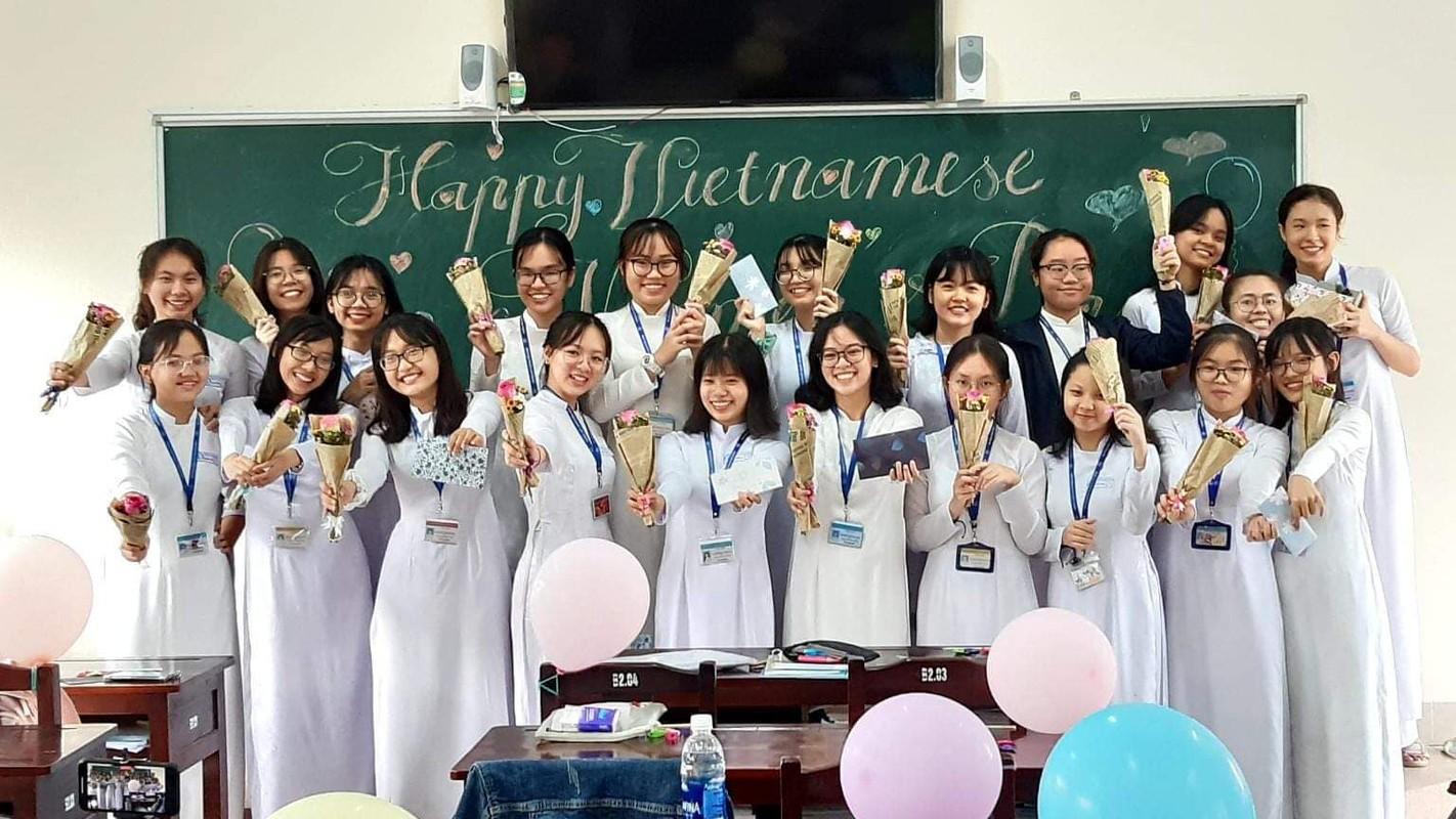 Chan dung nu sinh Tien Giang dat diem 10 mon Ngu van-Hinh-3