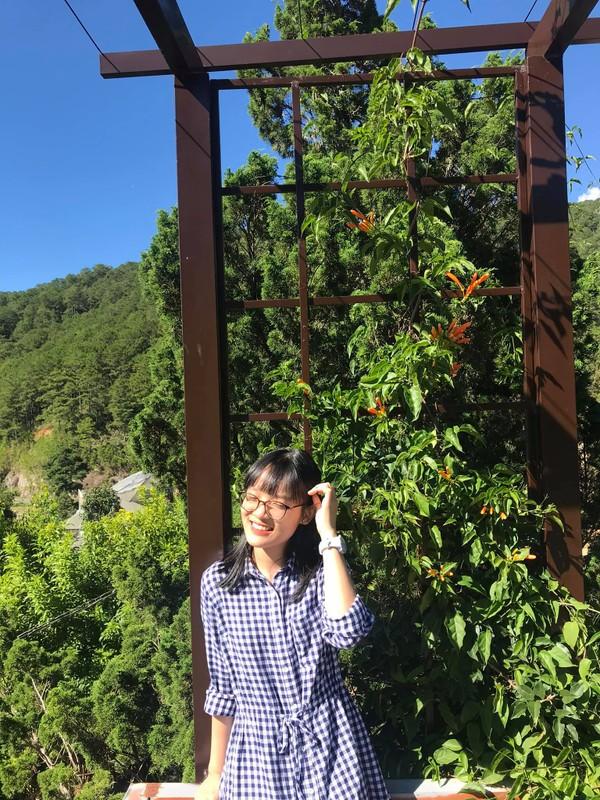 Chan dung nu sinh Tien Giang dat diem 10 mon Ngu van-Hinh-5