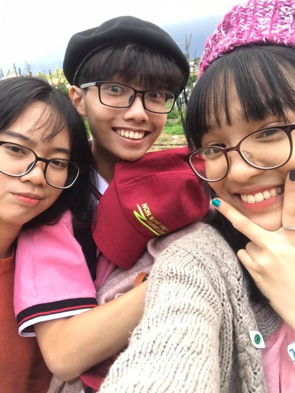 Chan dung nu sinh Tien Giang dat diem 10 mon Ngu van-Hinh-7