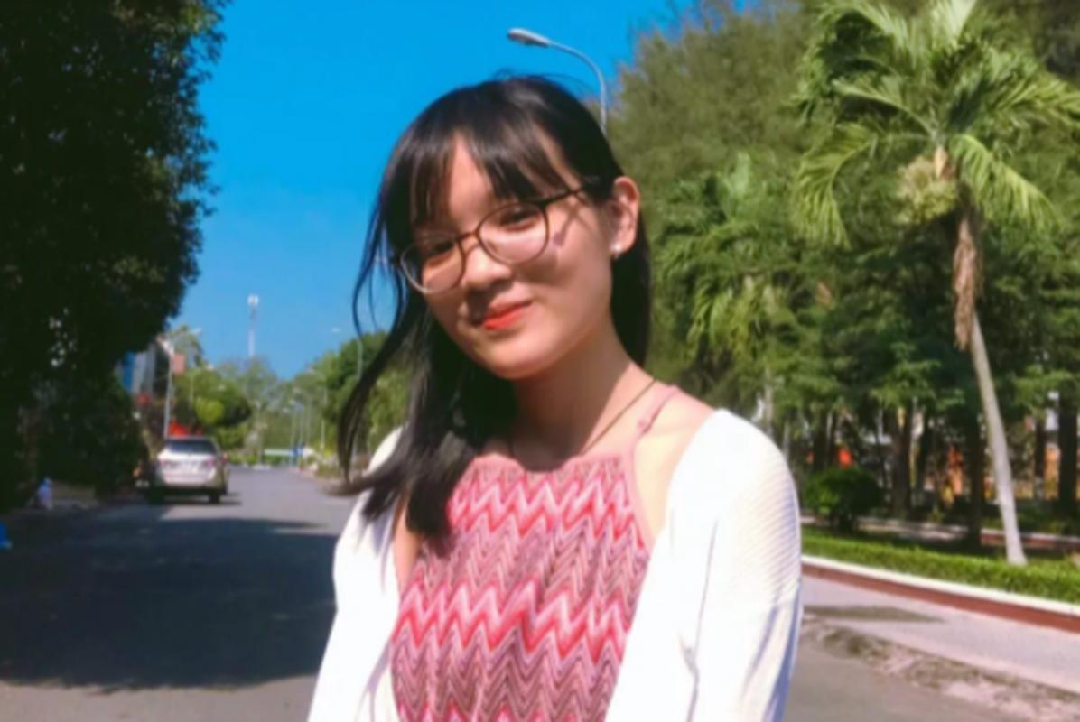 Chan dung nu sinh Tien Giang dat diem 10 mon Ngu van