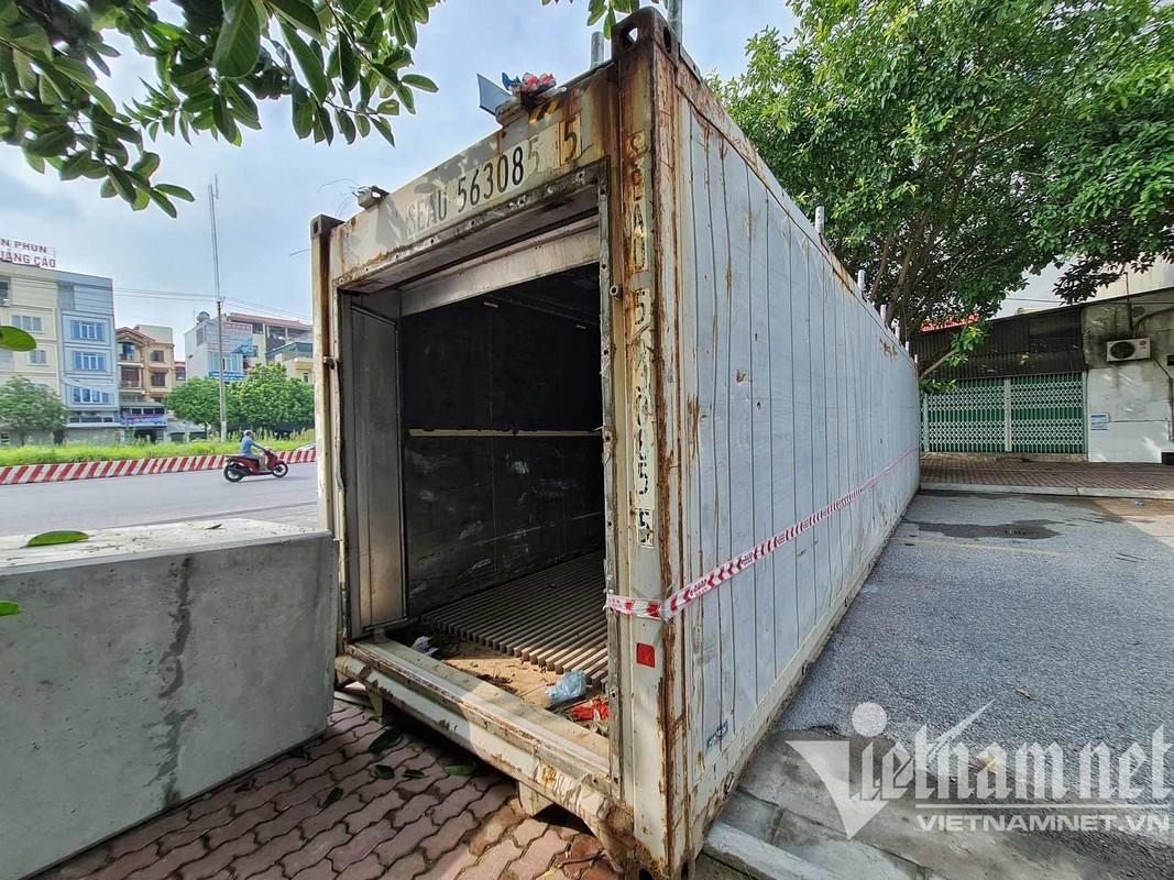 Xe tai, container, cong be tong... thanh lo cot chong COVID-19-Hinh-5
