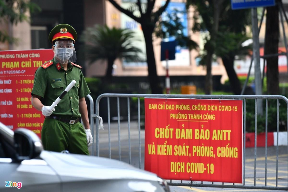 Duong pho Ha Noi dong duc phuong tien sang 30/8-Hinh-4