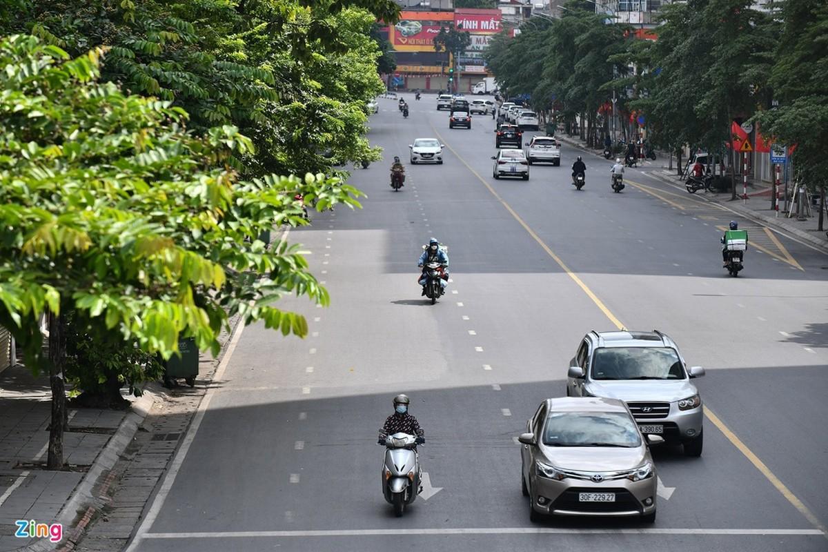Duong pho Ha Noi dong duc phuong tien sang 30/8-Hinh-6