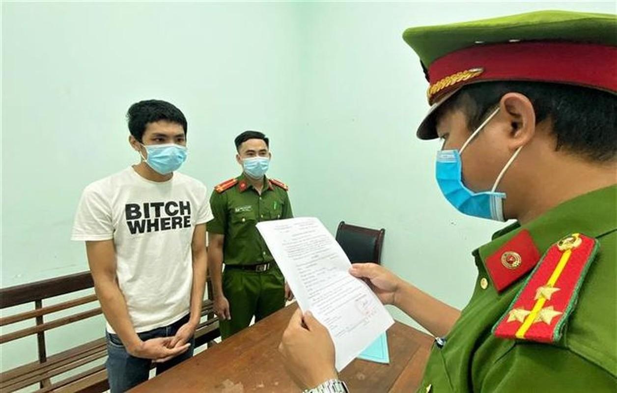 Tin nong 9/9: Dung xeng duoi danh nu Pho Chu tich phuong