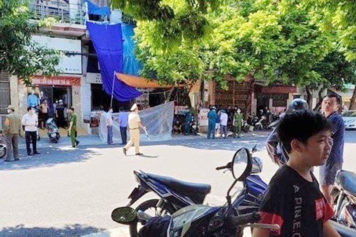 Hung Yen: Bat nghi pham chem chet nguoi phu nu khi buoc ra khoi cua-Hinh-2
