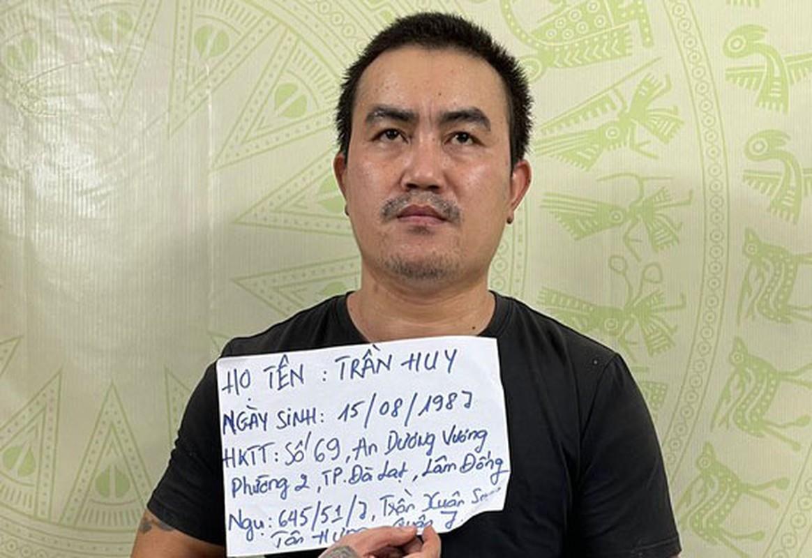 Loi khai cua doi tuong chem lia dau nan nhan o TP HCM