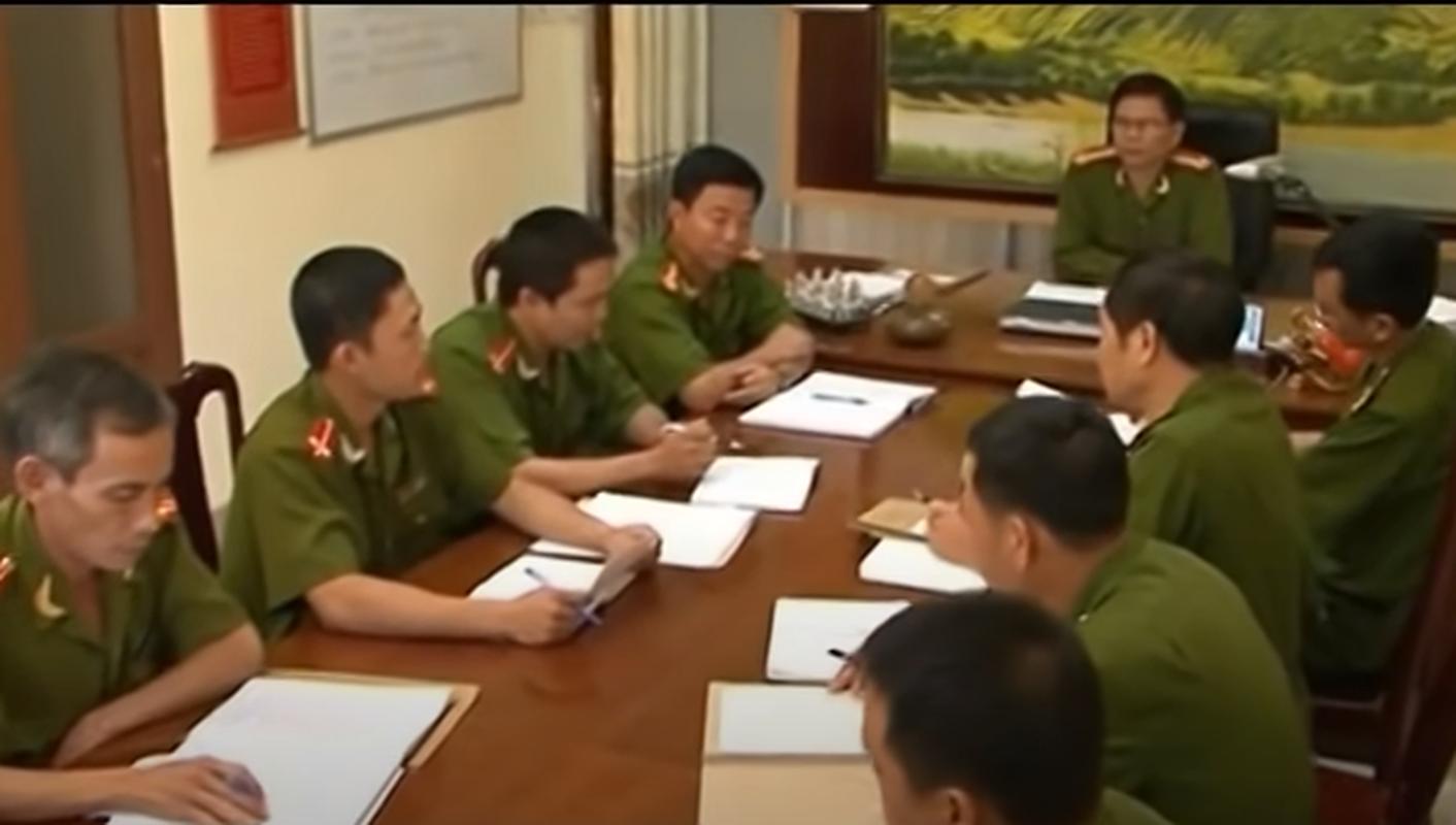 Hanh trinh pha an: Xac be gai loa the trong vuon va bi mat ron nguoi-Hinh-8