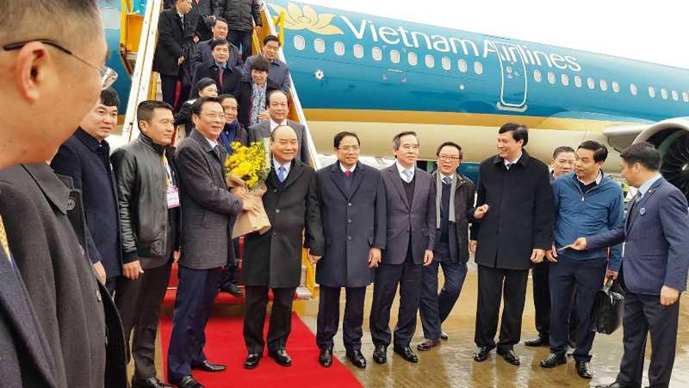 Thu tuong Nguyen Xuan Phuc di chuyen bay dau tien xuong Van Don-Hinh-3