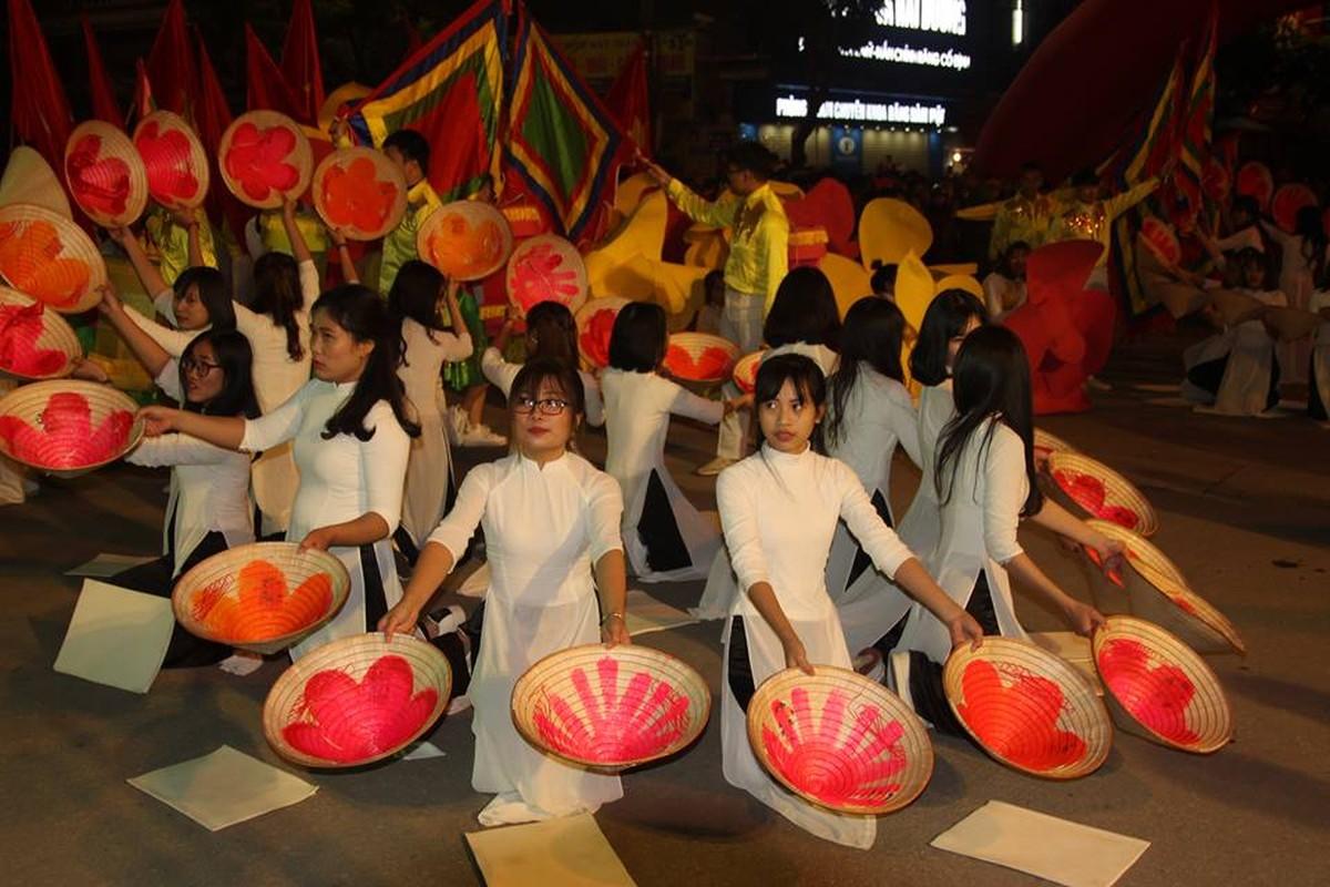 Anh: Hang nghin nguoi tham gia le hoi duong pho Carnaval Hai Duong-Hinh-5