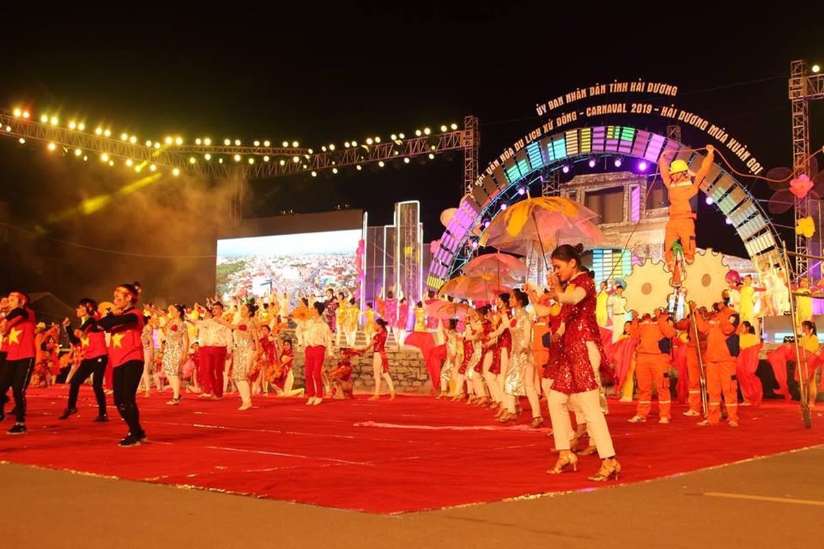 Anh: Hang nghin nguoi tham gia le hoi duong pho Carnaval Hai Duong-Hinh-6