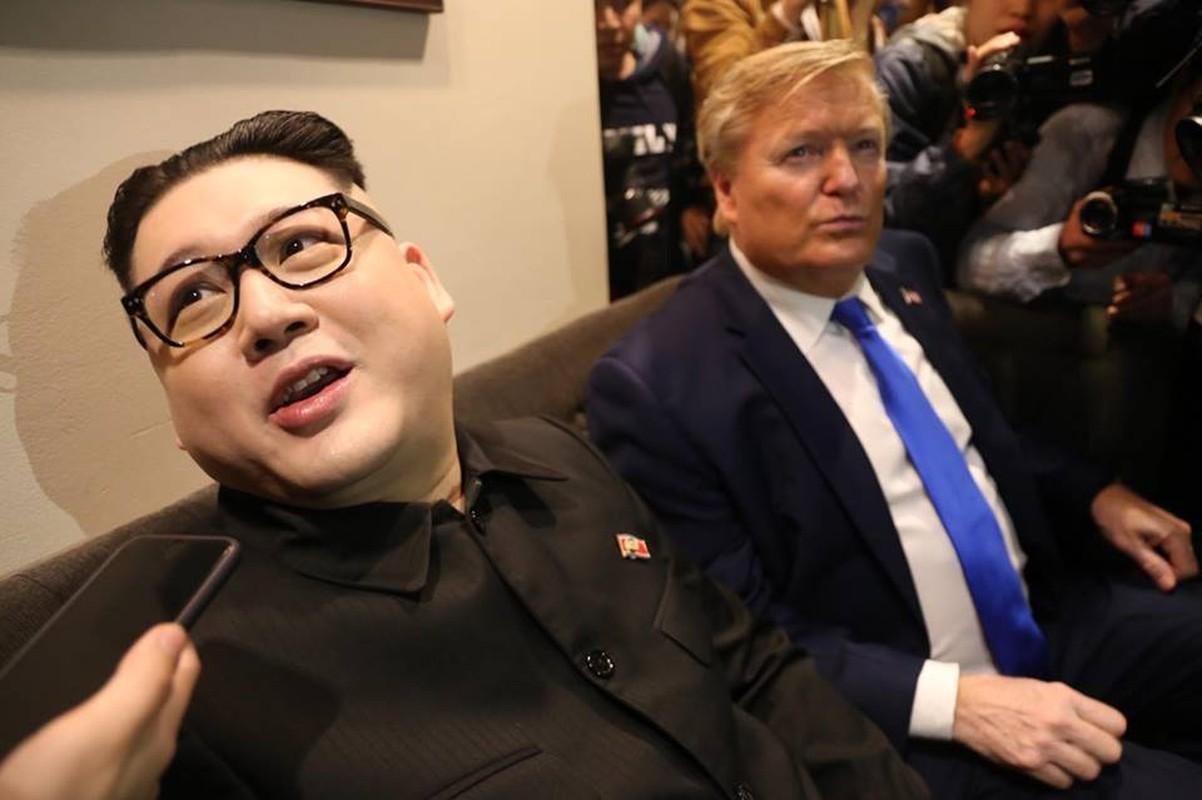 Ban sao Tong thong My va nha lanh dao Kim Jong-un nao dong o Ha Noi-Hinh-11