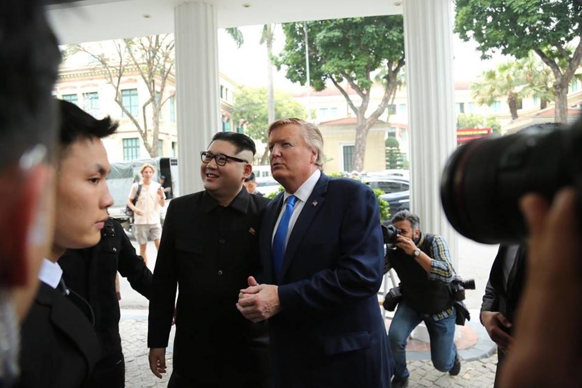 Ban sao Tong thong My va nha lanh dao Kim Jong-un nao dong o Ha Noi-Hinh-2