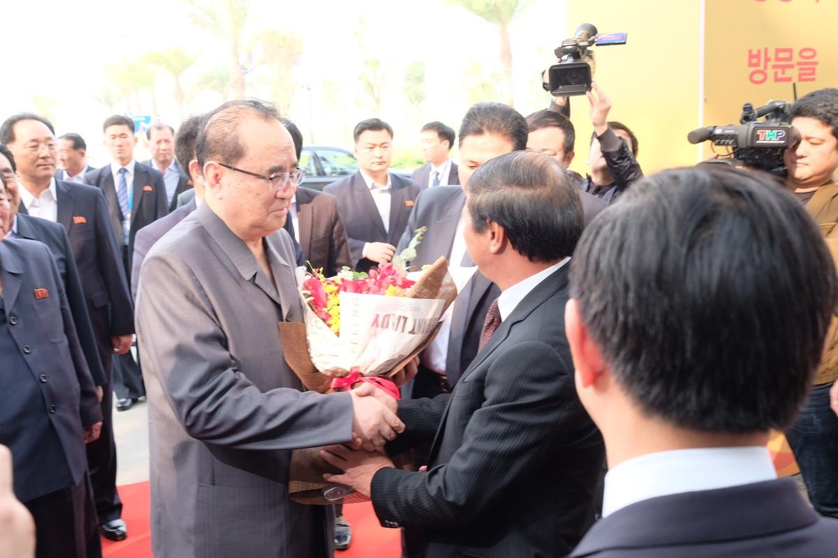 Doan dai bieu cap cao Trieu Tien tham nha may Vinfast Hai Phong-Hinh-8
