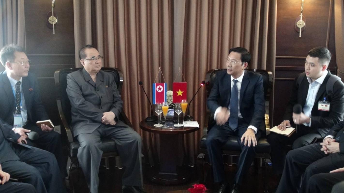 Chum anh: Phai doan Trieu Tien roi khach san Melia Ha Noi di dau sang nay?-Hinh-11