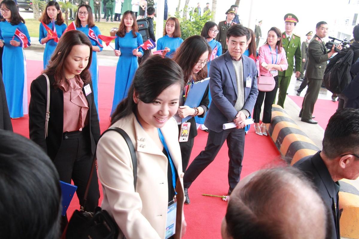 Chum anh: Phai doan Trieu Tien roi khach san Melia Ha Noi di dau sang nay?-Hinh-4