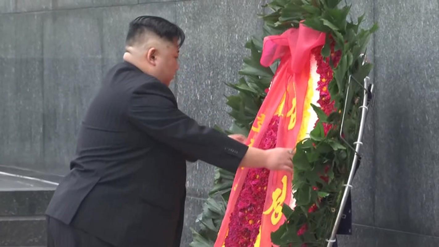 Chu tich Trieu Tien Kim Jong-un cung phai doan den vieng lang Chu tich Ho Chi Minh-Hinh-13
