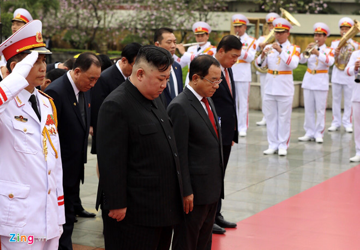 Chu tich Trieu Tien Kim Jong-un cung phai doan den vieng lang Chu tich Ho Chi Minh-Hinh-10