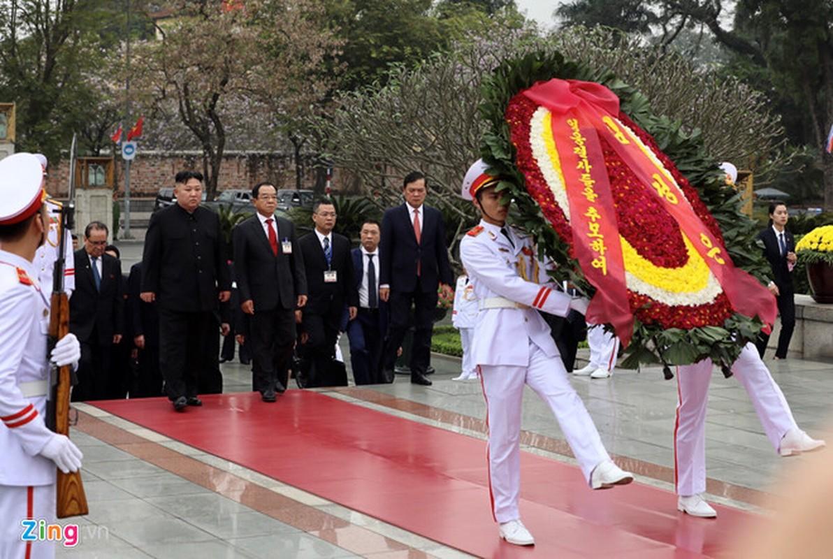 Chu tich Trieu Tien Kim Jong-un cung phai doan den vieng lang Chu tich Ho Chi Minh-Hinh-6