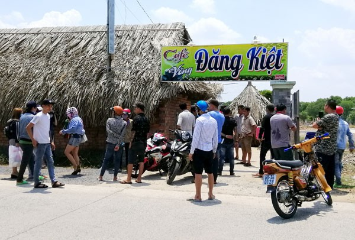 "Vach tran cac ""dong mai dam"" nup bong spa, karaoke khap Viet Nam-Hinh-14"