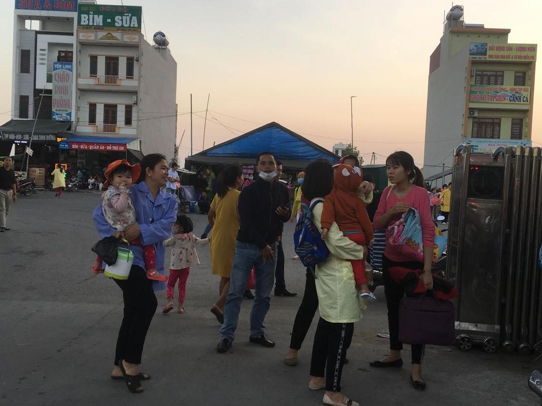 Chay Benh vien Nhi Hai Duong, nguoi nha benh nhan hoang loan-Hinh-13