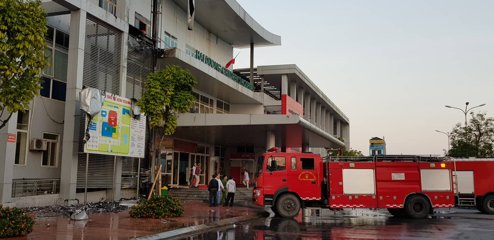 Chay Benh vien Nhi Hai Duong, nguoi nha benh nhan hoang loan-Hinh-2