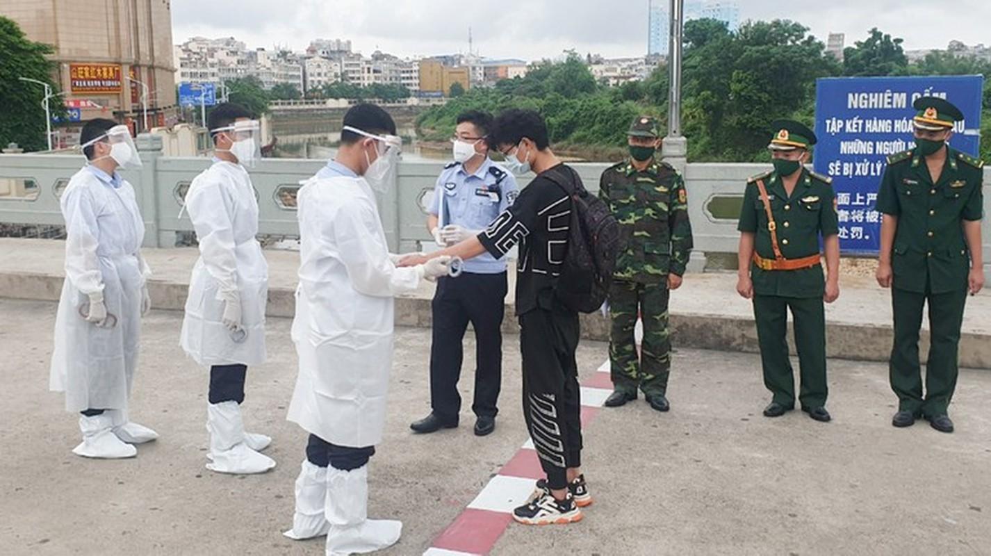 "Nguoi Trung Quoc nhap canh Viet Nam trai phep: Bao nhieu nguoi vao ""chui"", co truc xuat?-Hinh-18"
