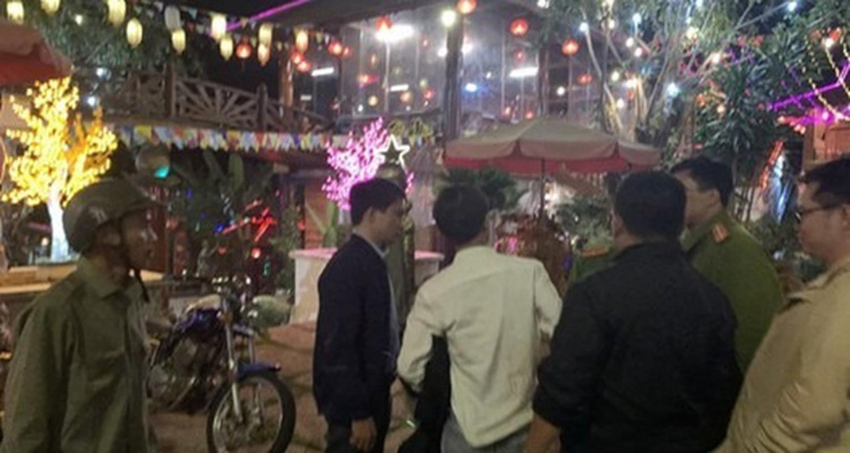 Tin nong ngay 29/11: Bao ve truong hiep dam be 8 tuoi-Hinh-8